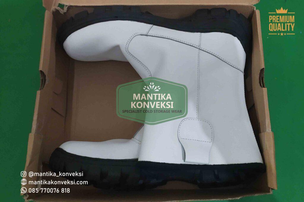 Kulitas sepatu cold storage Mantika menggunakan bahankulit asli